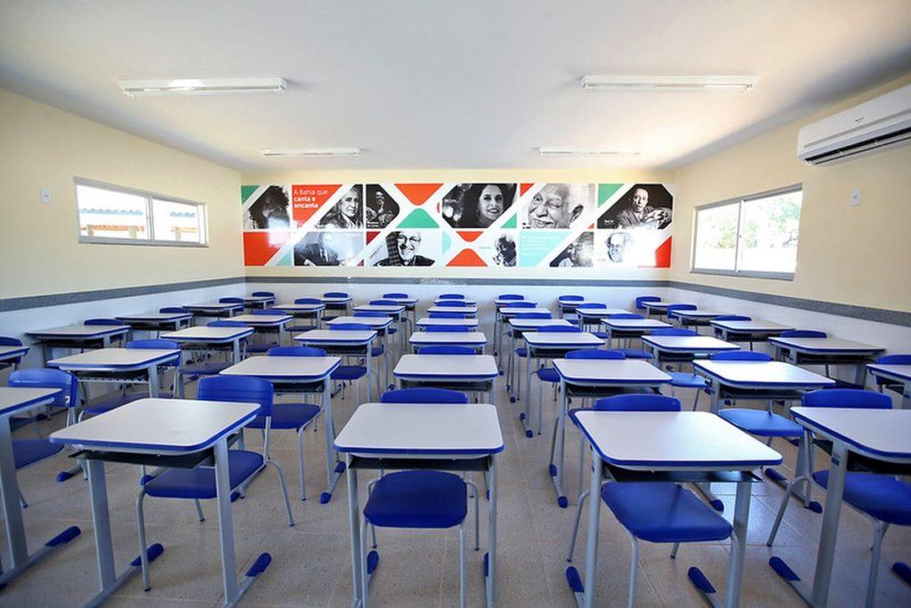 PROFESSORES E TRABALHADORES DA EDUCAÇÃO DECIDEM POR ENTRAR EM ESTADO DE GREVE E PELA CONTINUIDADE DAS AULAS REMOTAS